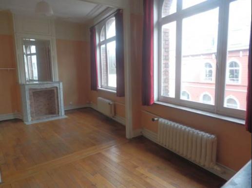 appartement sur lille lille centre t4 dans l 39 ancien. Black Bedroom Furniture Sets. Home Design Ideas