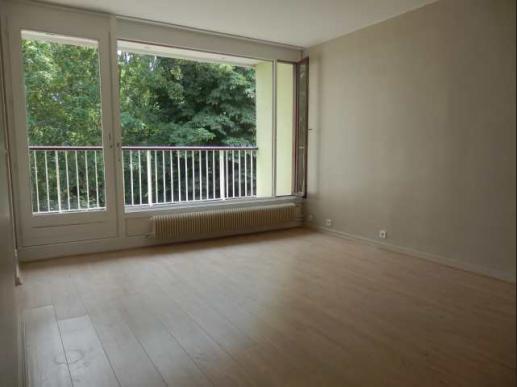 appartement sur lille lille vauban t3 en r sidence avec balcon cave et garage. Black Bedroom Furniture Sets. Home Design Ideas